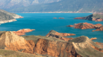 Mountains surround Lake Baikal. - Photo: Shutterstock